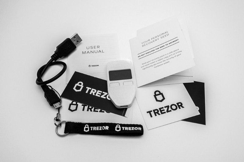 trezor box contents